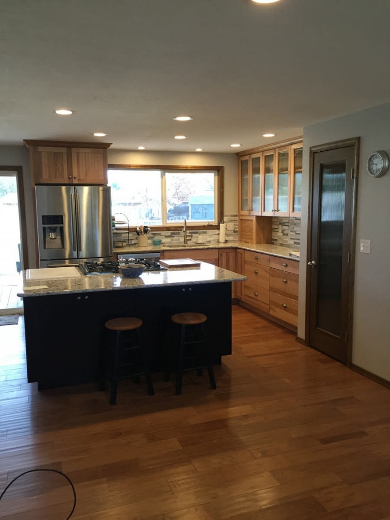 Southwest boise kitchen remodel with reeded glass pantry for Bath remodel boise
